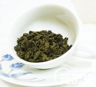 据说台湾冻顶乌龙茶是一位叫林凤池的台湾人从福建武夷山把茶苗带到